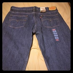 Levi's 550 Dark blue wash.